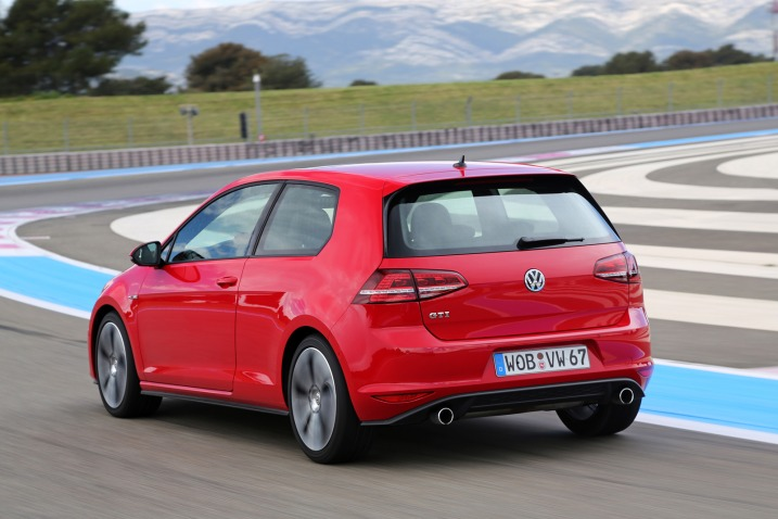 2015 VW GTI official information and pricing - YouWheel.com - Car News