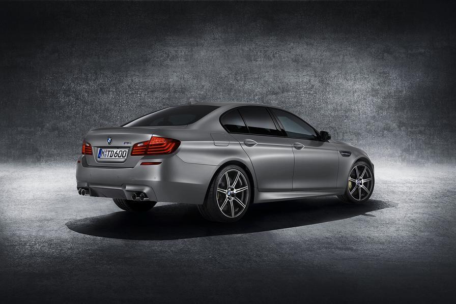 2015_BMW_M5_30th_2