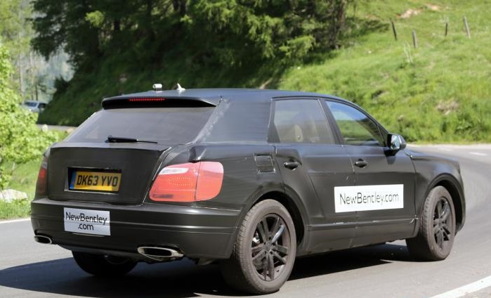 Bentley_SUV_2