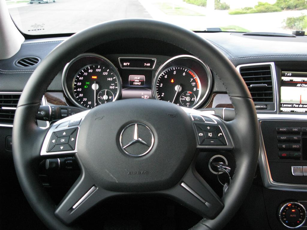 2014_Mercedes-Benz_GL450_10