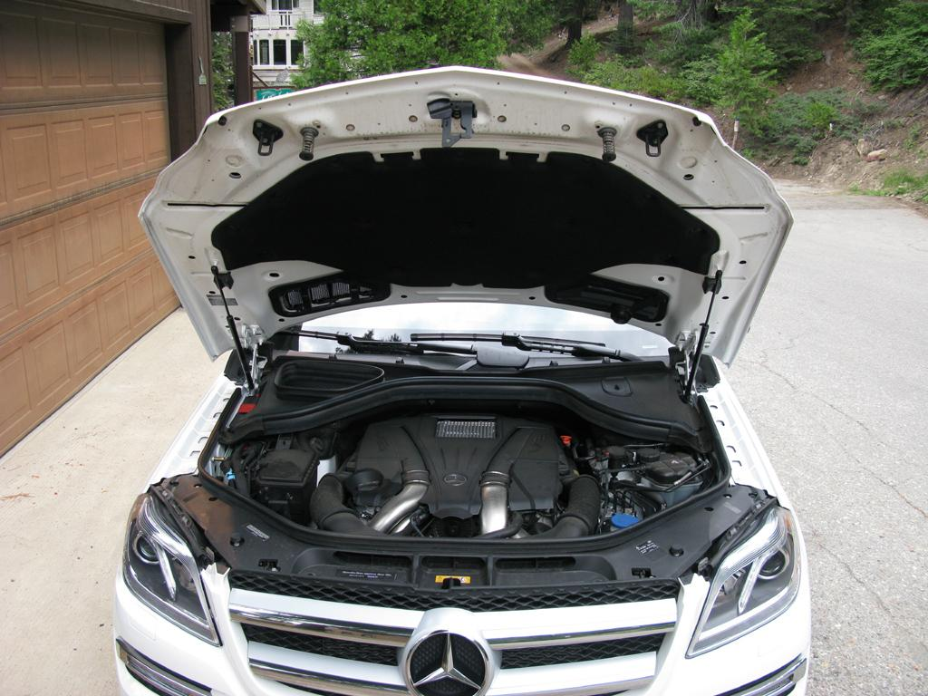 2014_Mercedes-Benz_GL450_17
