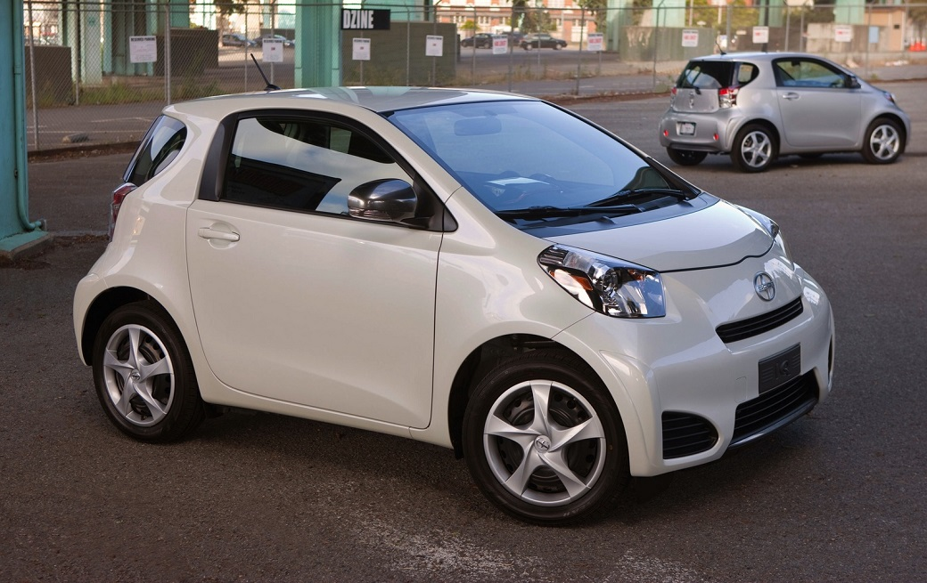 2014_Scion_iQ