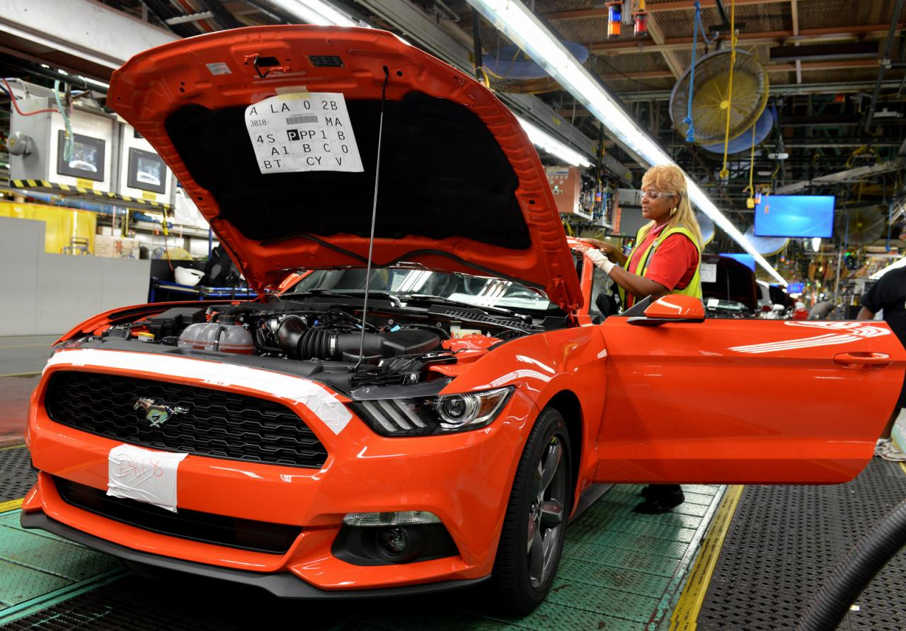 2015_Ford_Mustang_Manufacture_1