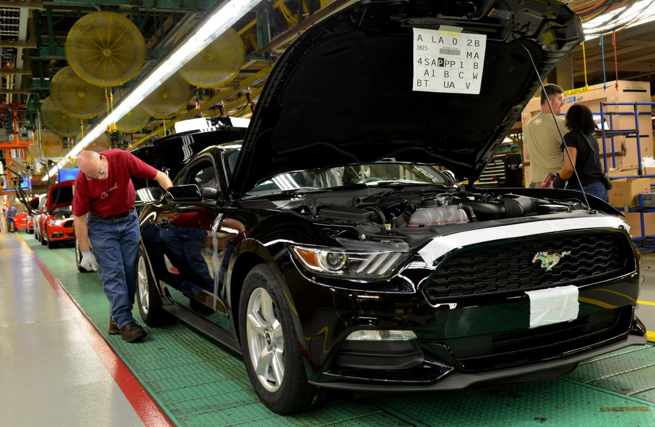 2015_Ford_Mustang_Manufacture_2