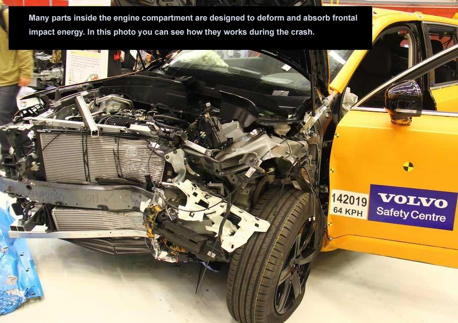 2015_Volvo_XC90_Crash_Car_6