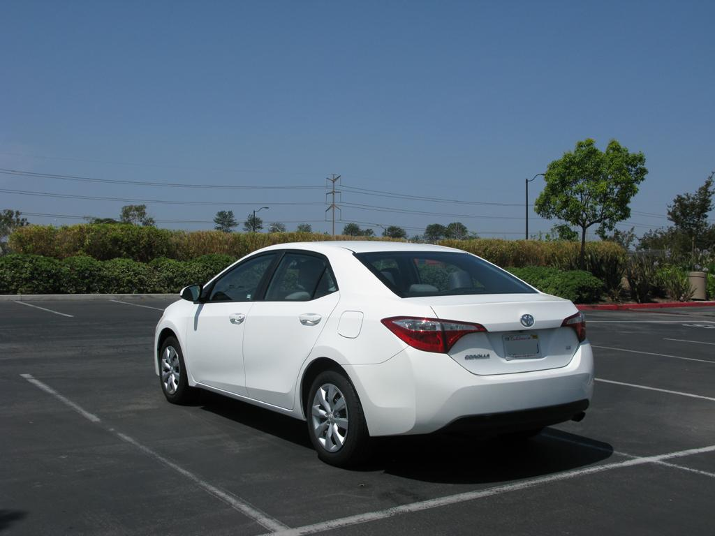 2014_Toyota_Corolla_2