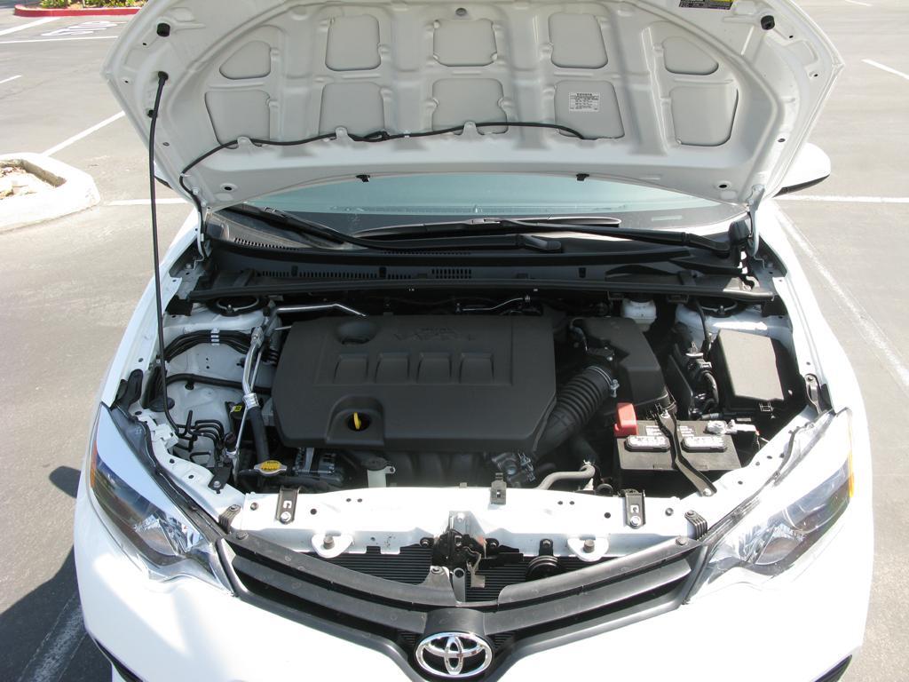 2014_Toyota_Corolla_7