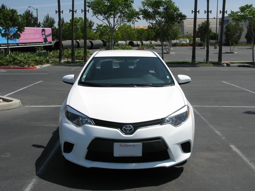 2014_Toyota_Corolla_9