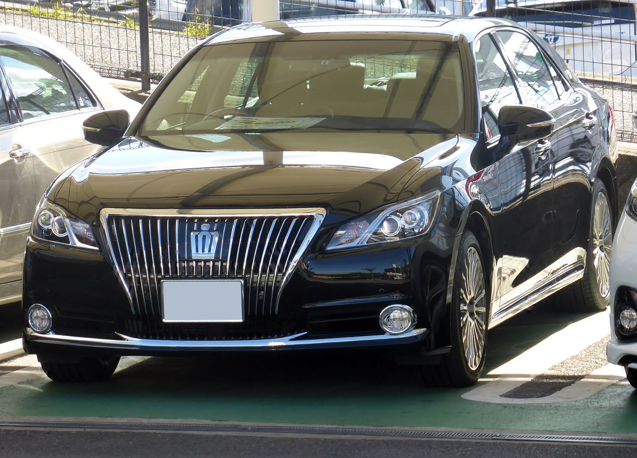 Toyota Crown 2018 Interior >> Production China Market 2015 Toyota Crown Majesta Photo Leaked - YouWheel.com - Your Ultimate ...