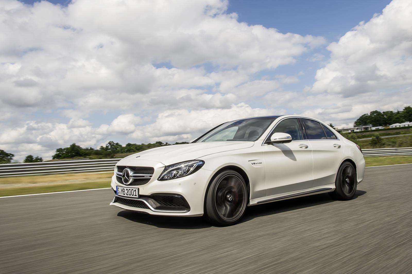 2015_Mercedes_Benz_AMG_C63_35