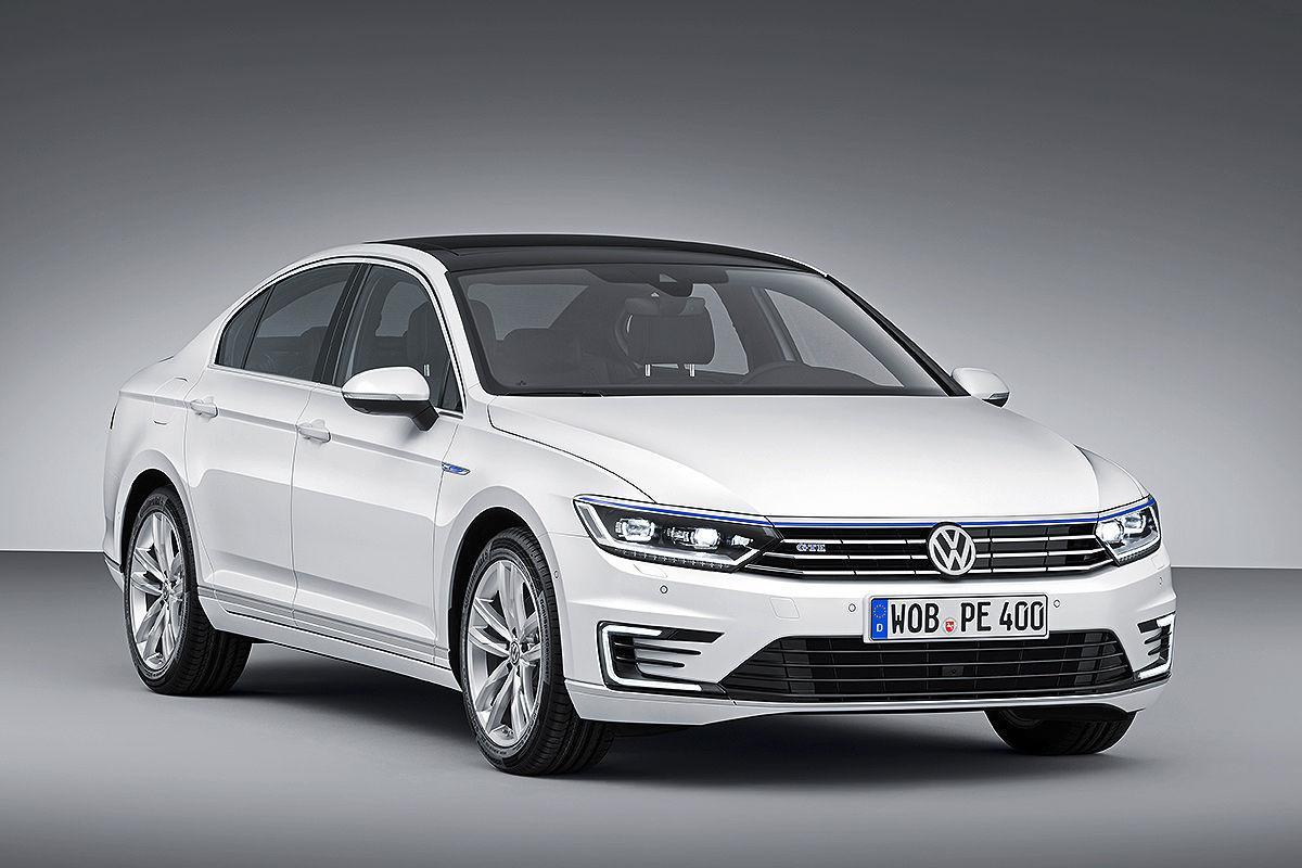 Volkswagen_Passat_GTE_2