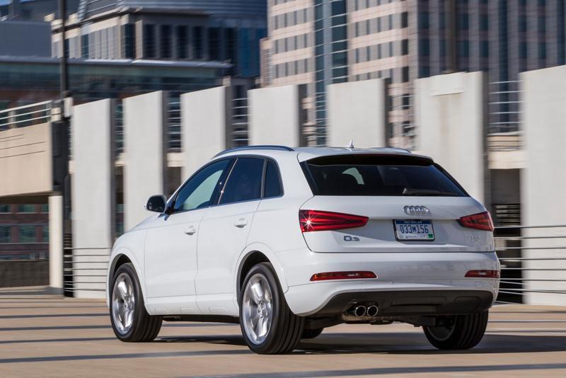 2015_Audi_Q3_Back
