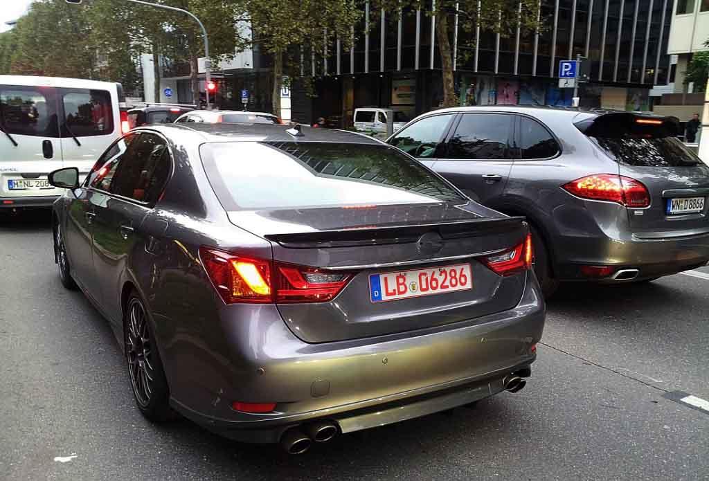 2015_Lexus_GS-F_Spyshot_2