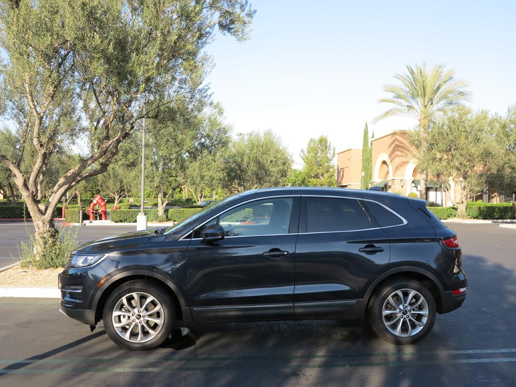 2015_Lincoln_MKC_AWD_12