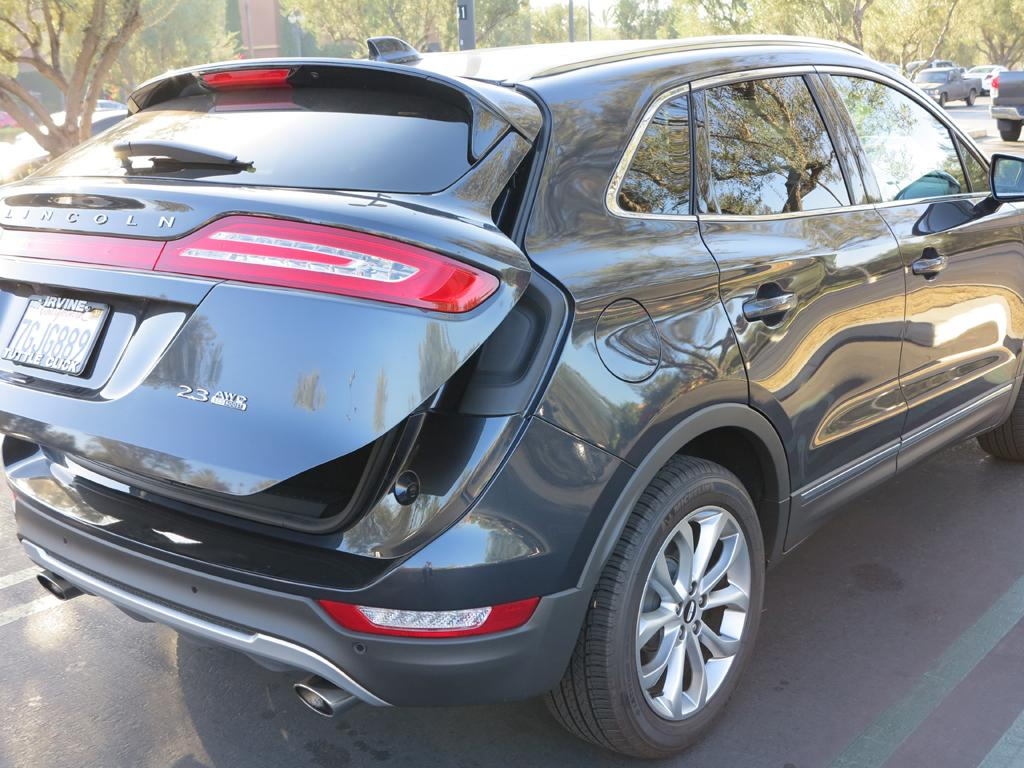 2015_Lincoln_MKC_AWD_15