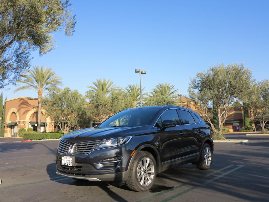 2015_Lincoln_MKC_AWD_2