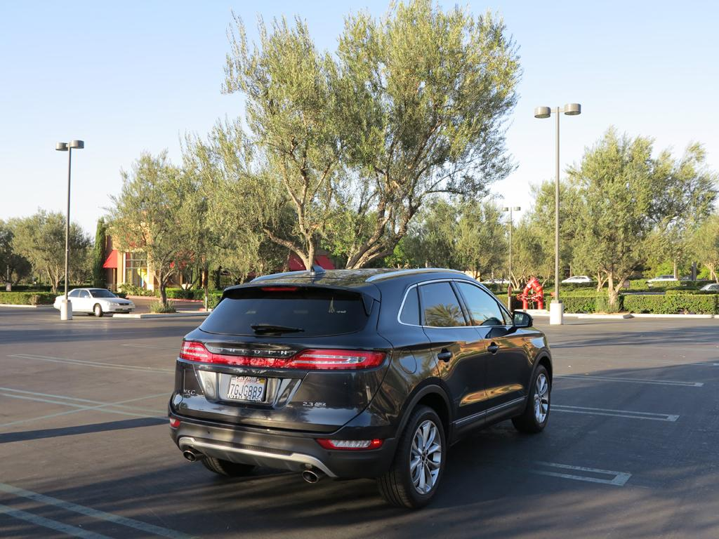 2015_Lincoln_MKC_AWD_21