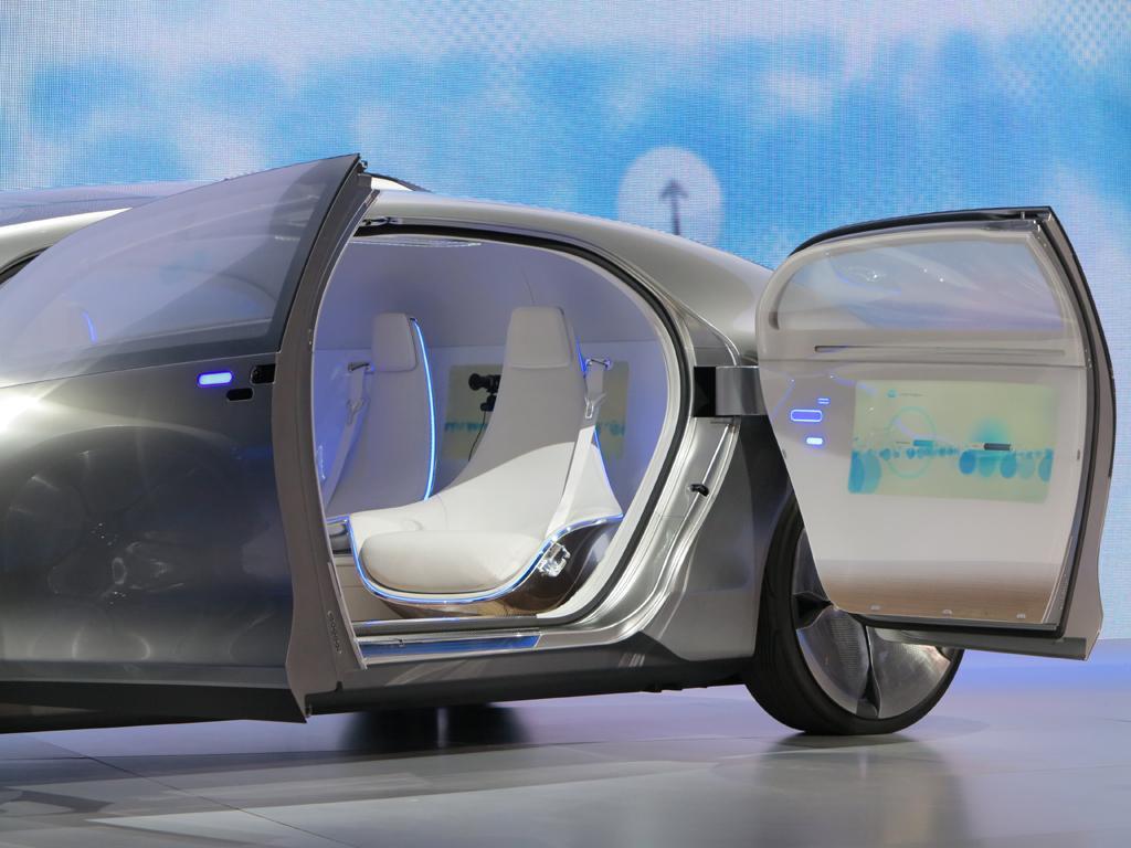 2015_CES_Mercedes-Benz_10