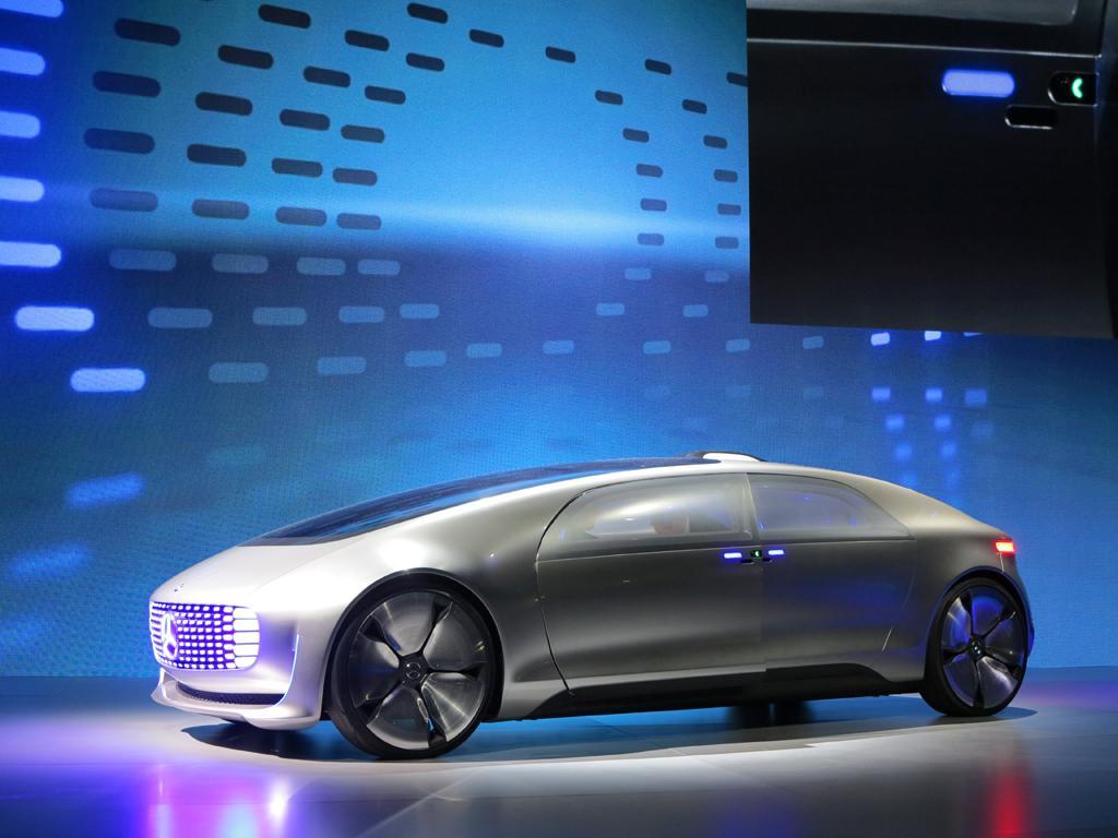 2015_CES_Mercedes-Benz_18