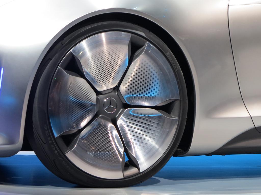 2015_CES_Mercedes-Benz_19