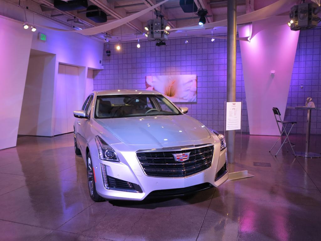 2015_Cadillac_CTS-VSport_5