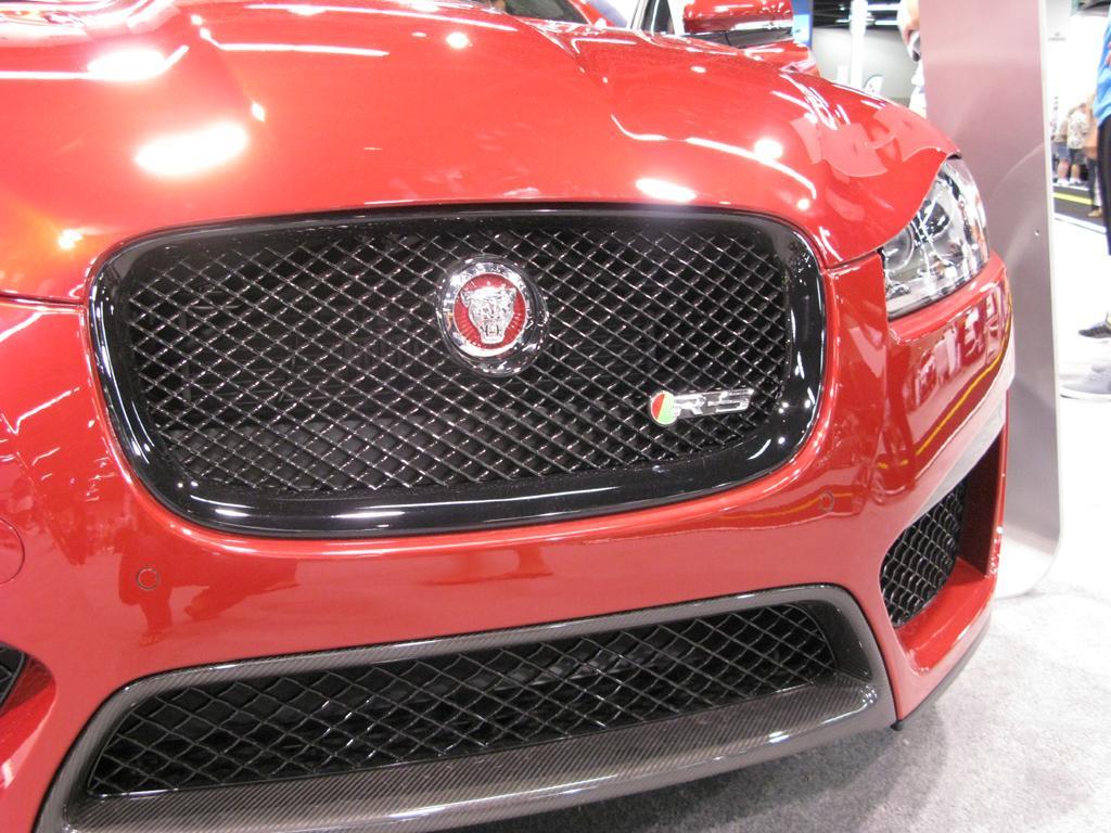 2015_Jaguar_XFR-S