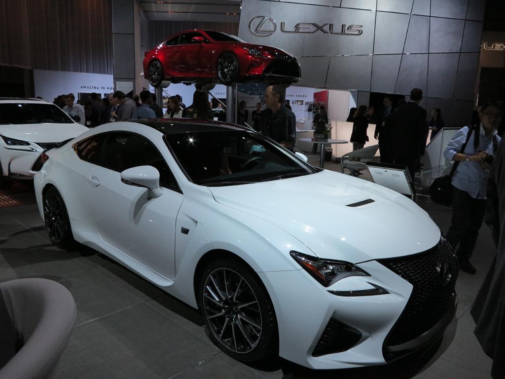 2015_Lexus_RC-F_LAShow_White