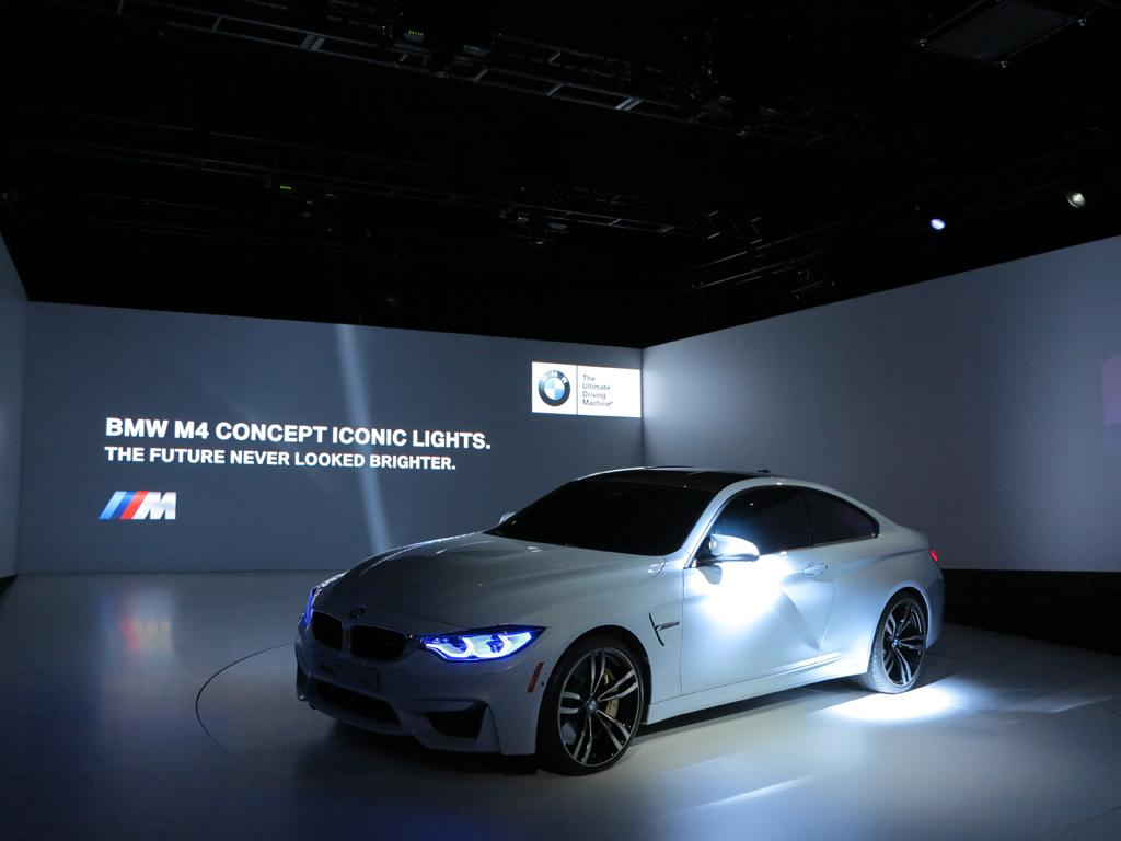 BMW_M4_Concept_Iconic_Lights_4