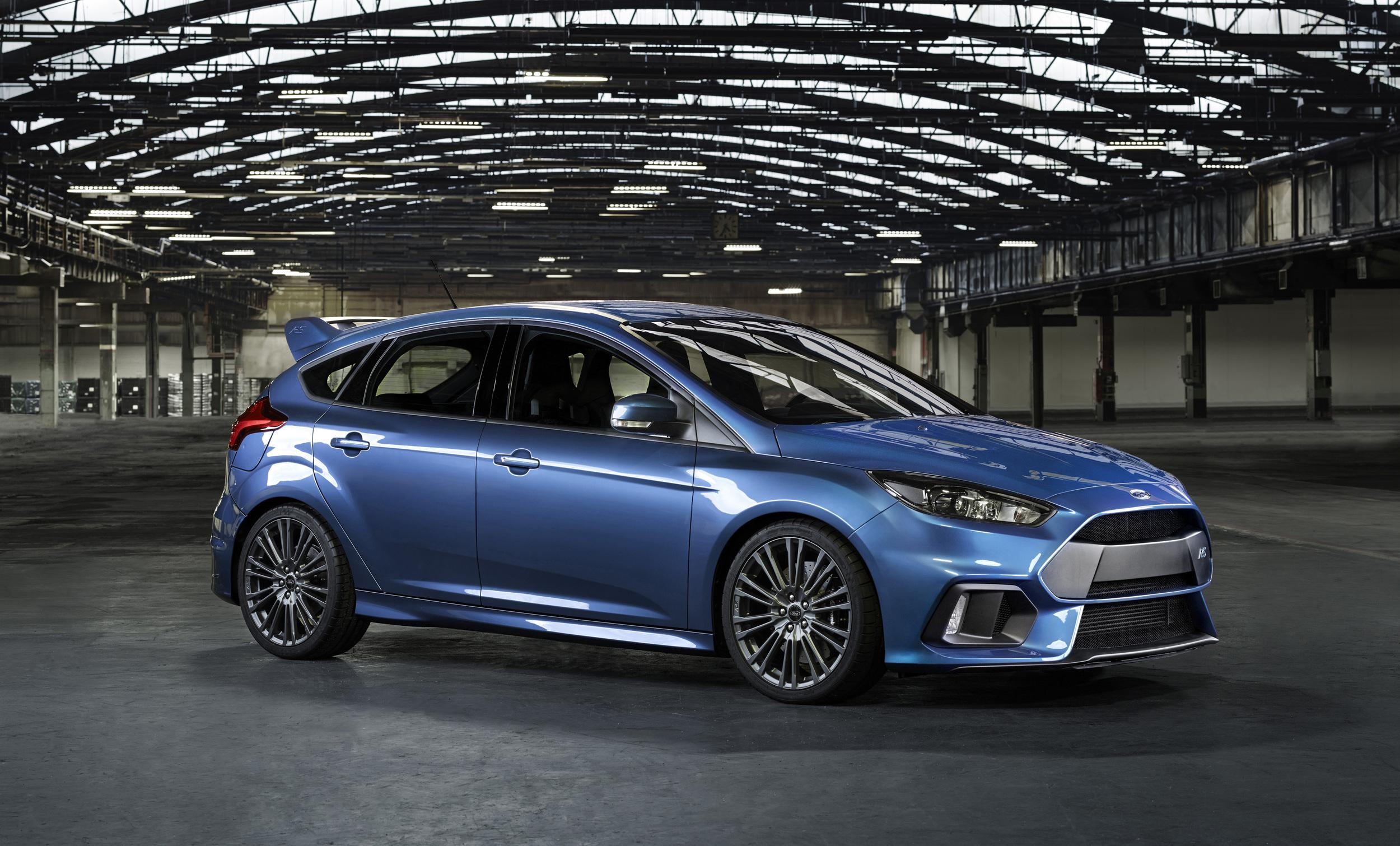2016_Ford_Focus_RS_3