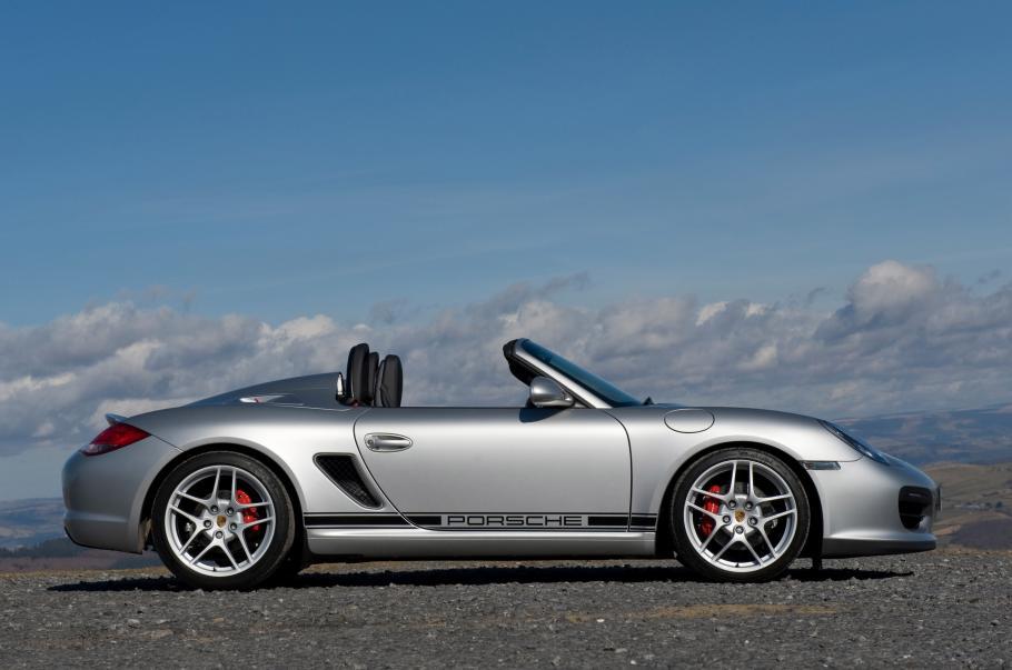 2010_Porsche_Boxster_Spyder