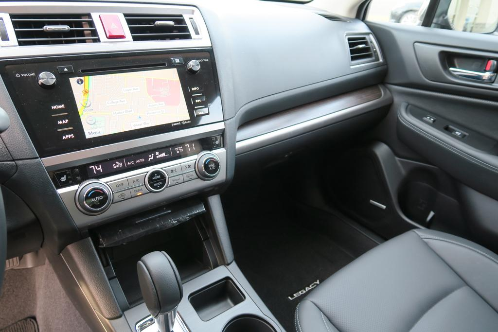 2015_Subaru_Legacy_3.6R_5
