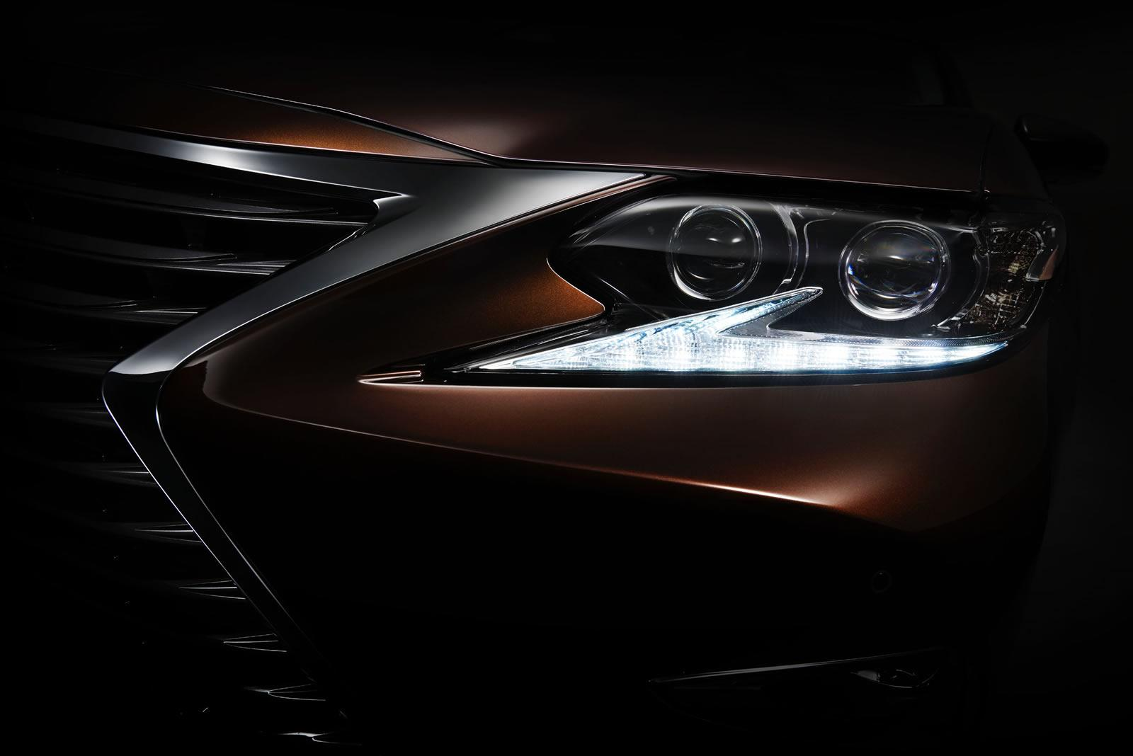 2016_Lexus_ES_Teaser