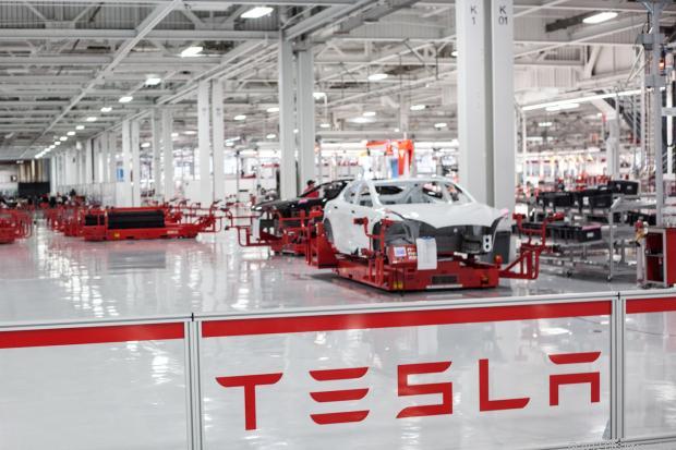 Tesla_Assembly_Line