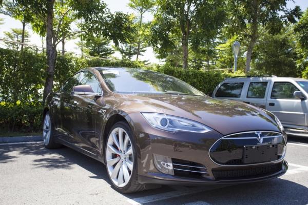Tesla_China_Rental