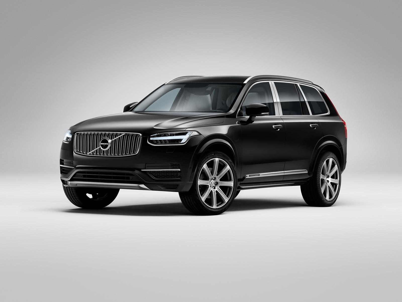 Volvo_XC90 _Excellence_10