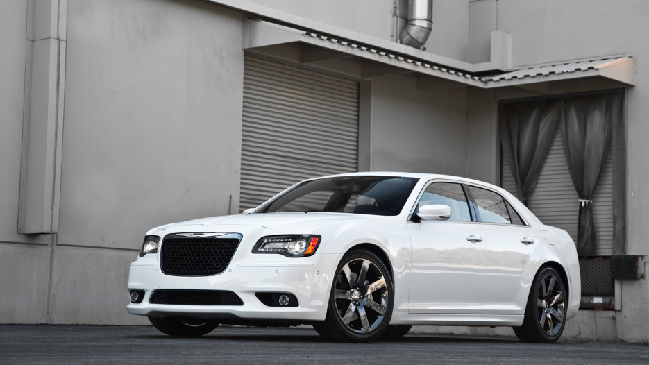 2015_Chrysler_300_SRT8