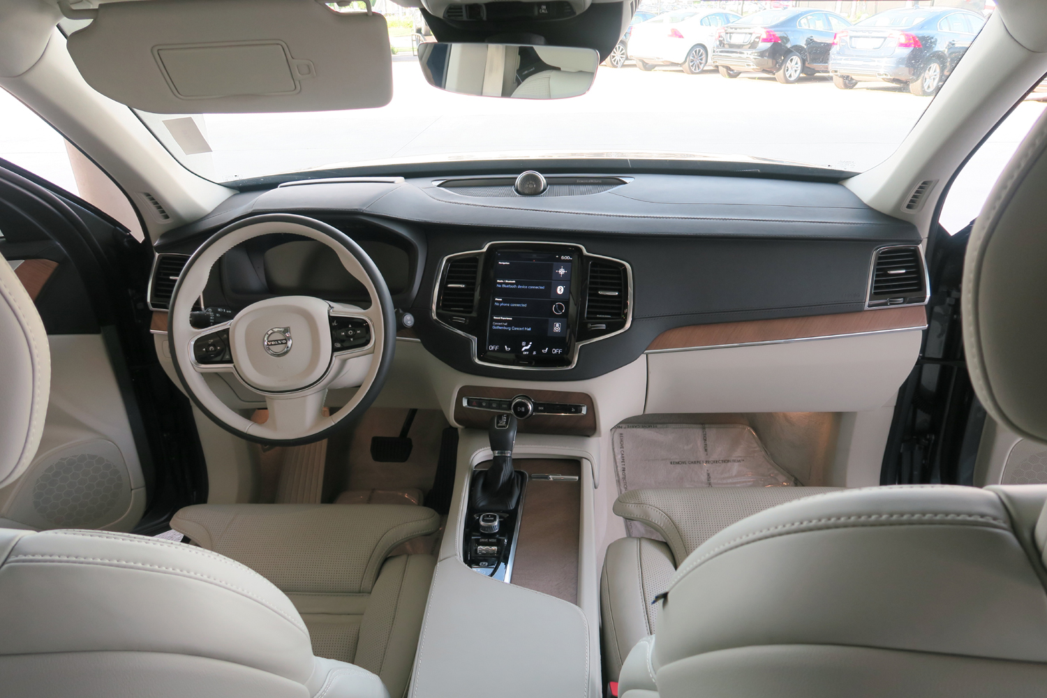 2016_Volvo_XC90_T6_AWD_Inscription_24