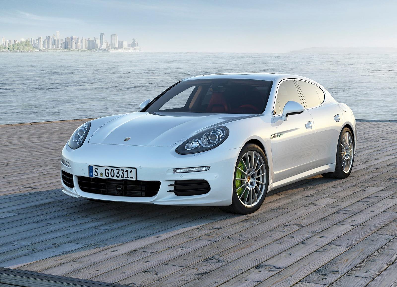 2014_Porsche_Panamera