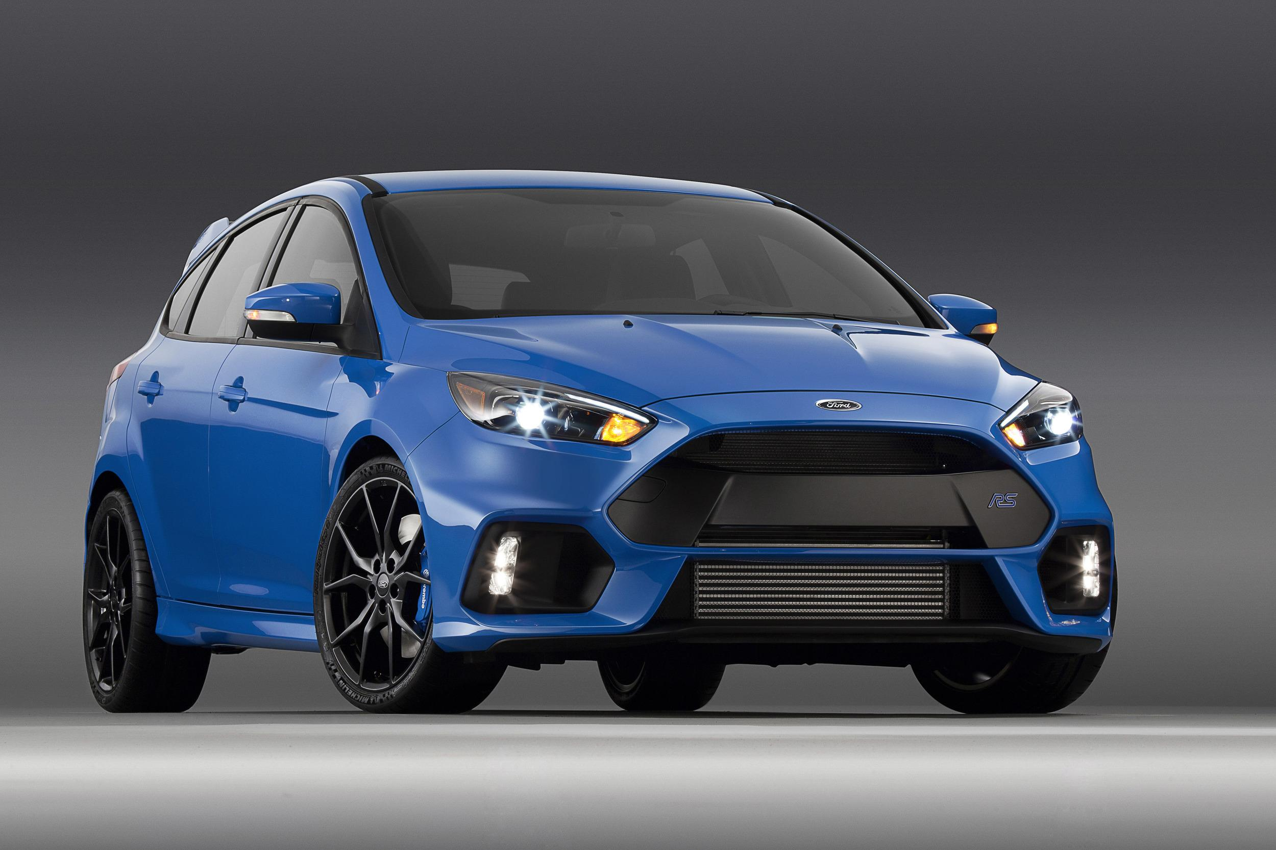 2016_Ford_Focus_RS_1