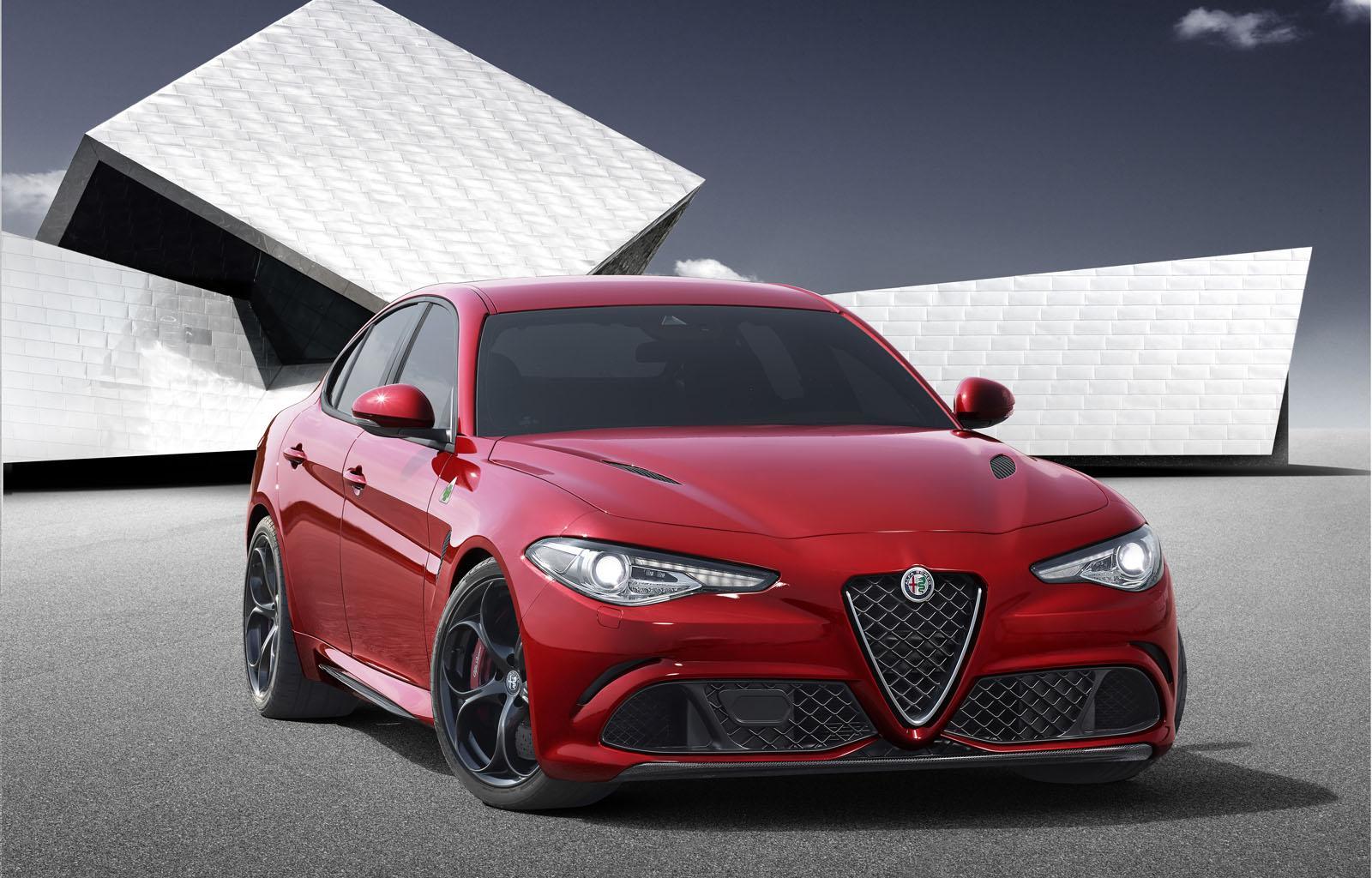 2017_Alfa_Romeo_Giulia_3