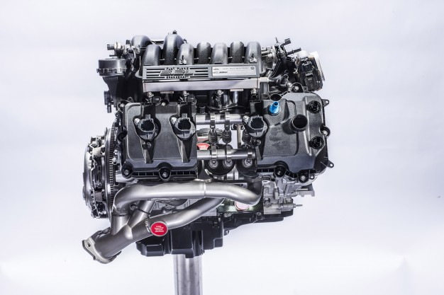 Ford_Shelby_GT350_Mustang_Engine