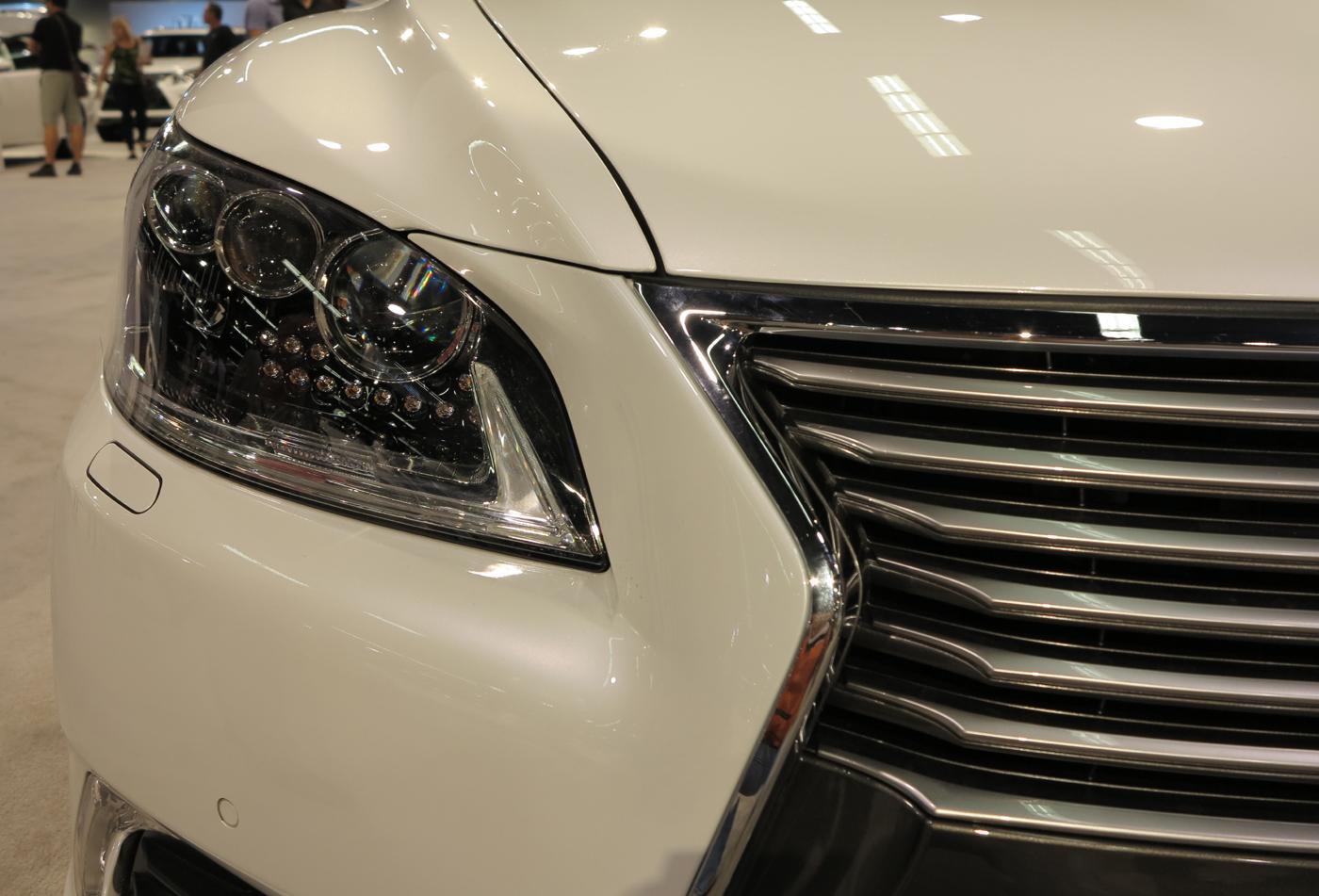 Lexus_LS_Front